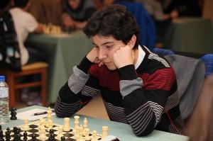Álvaro jugó bien, pero le faltó rematar partidas (foto de Centrón)