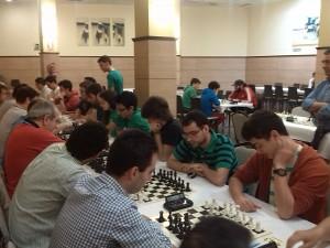 El equipo en su duelo con el Uni (3.5-2.5 abajo)