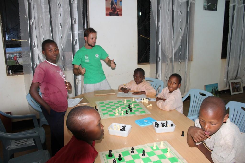 ¡Sataranji! Un mismo idioma: ¡ajedrez!